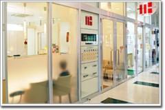 【医院外観】 ウニクス高崎1Fに当医院はございます。 ガラス張りですので、明るさを感じる院内となっております。